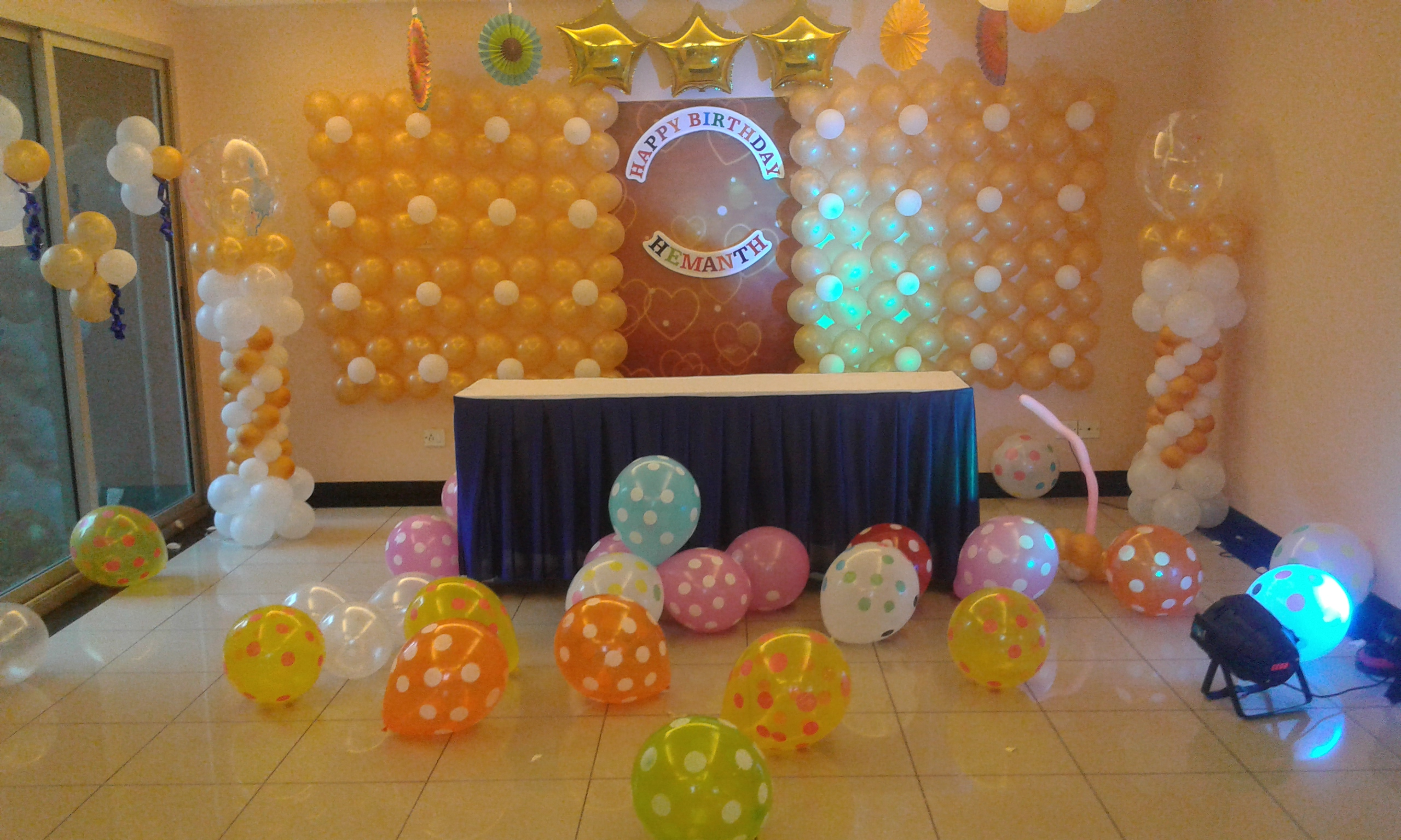 Prince theme balloon decorations bangalore for Balloon decoration in bangalore