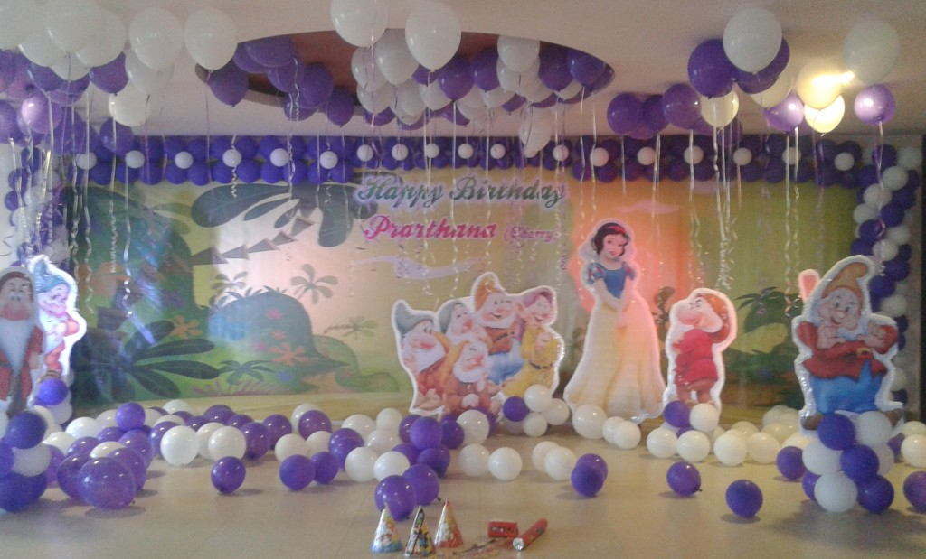 2d theme decorations for Balloon decoration in bangalore