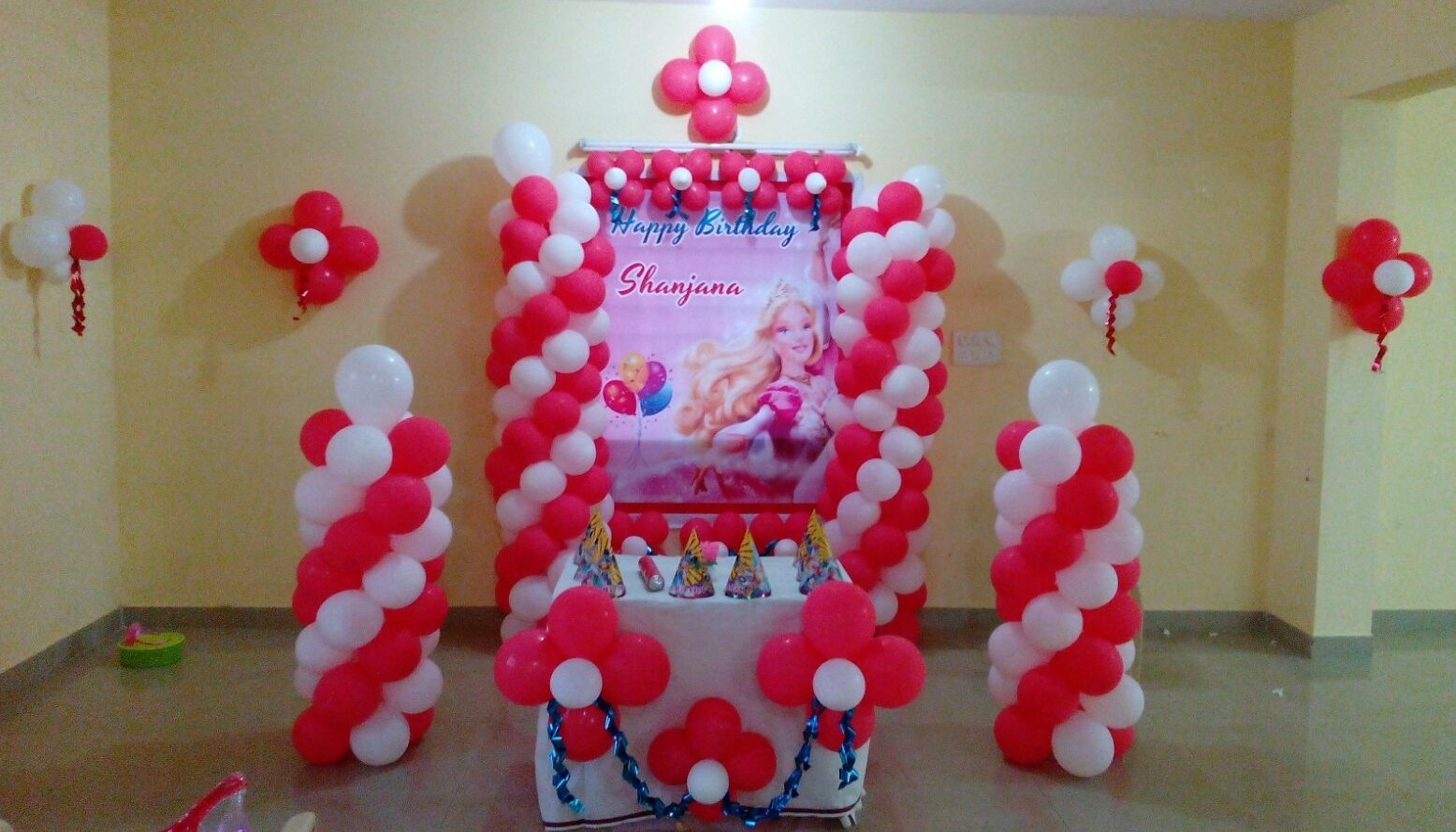 Princess theme simple balloon decoration bangalore for Balloon decoration in bangalore