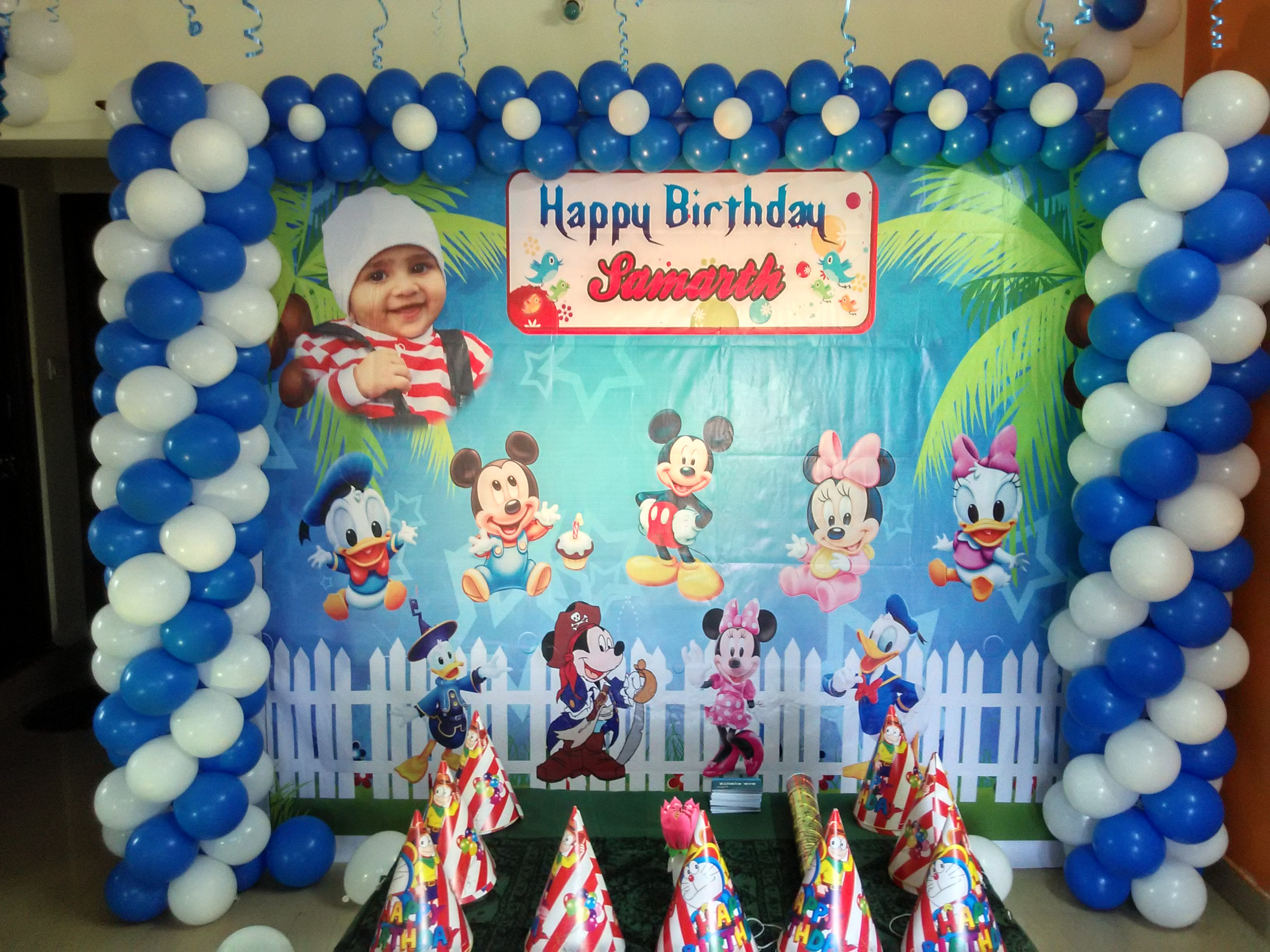 Mickey mouse theme birthday banner balloon decor bangalore for Balloon banner decoration