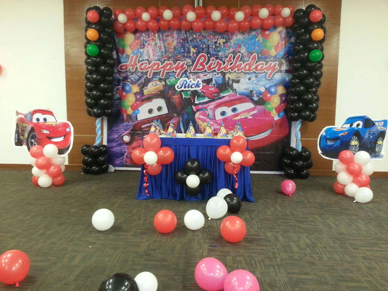 Cars theme balloon decoration for Balloon decoration cars theme