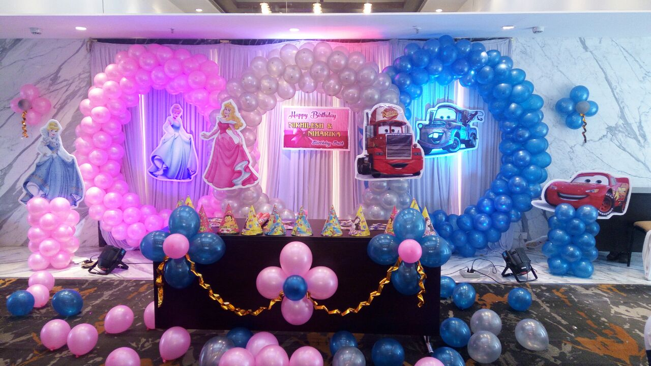 twins birthday party decoration