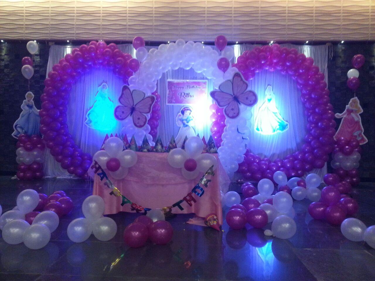 circles balloon decoration