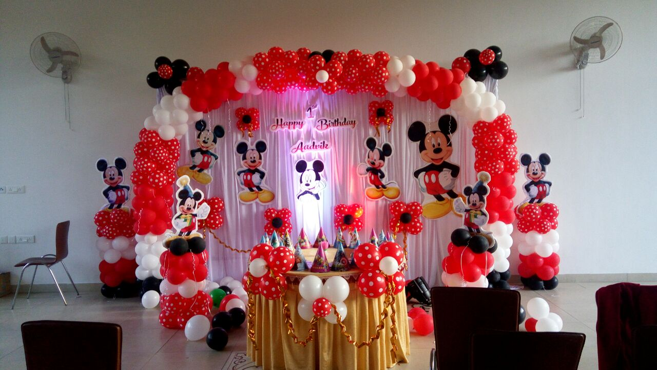 mickey theme balloon decoration