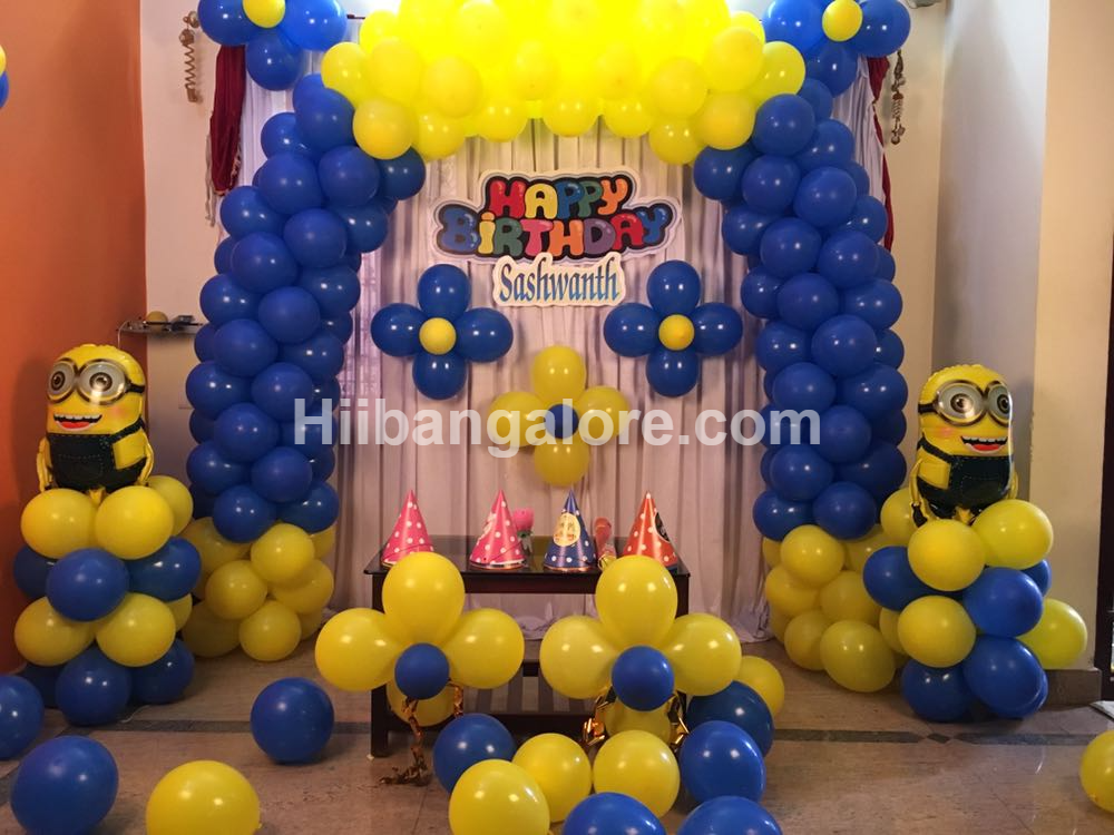 minions theme balloon decoration