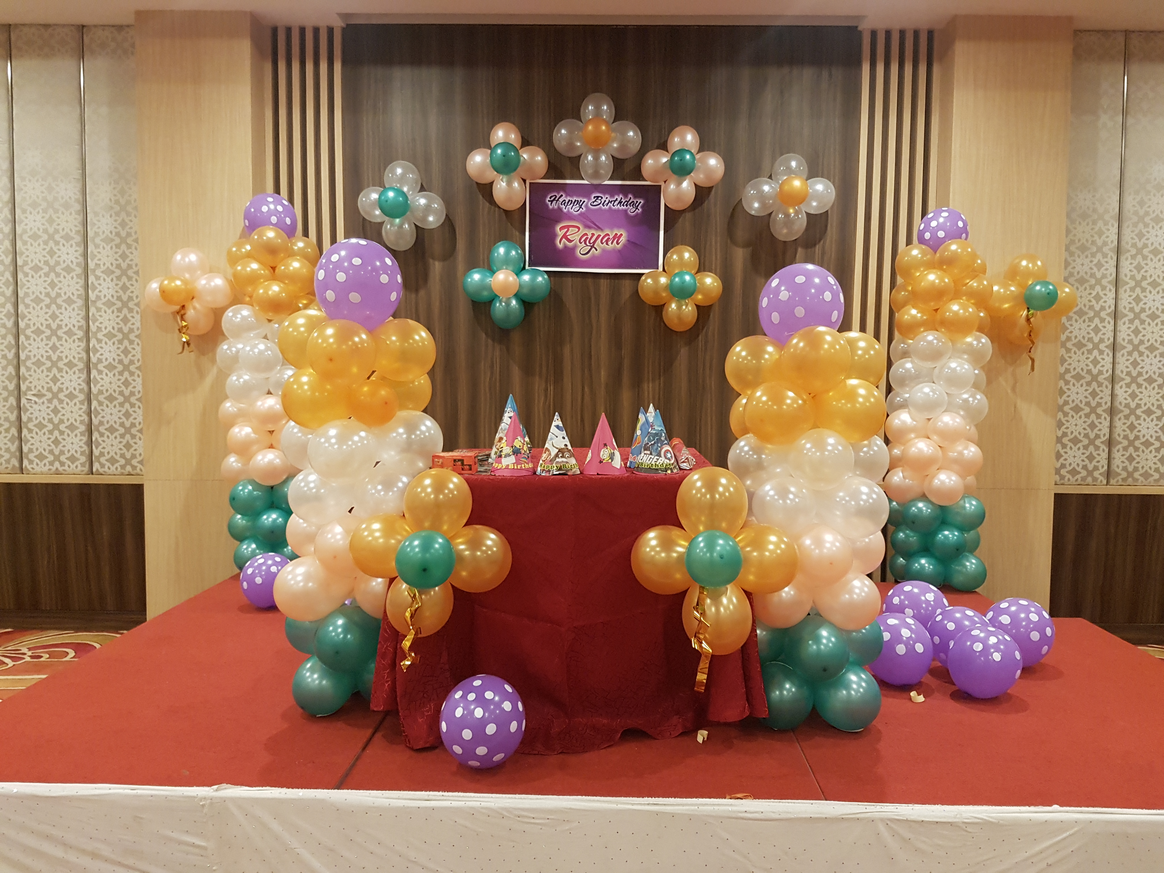 simple birthday party balloon decoation