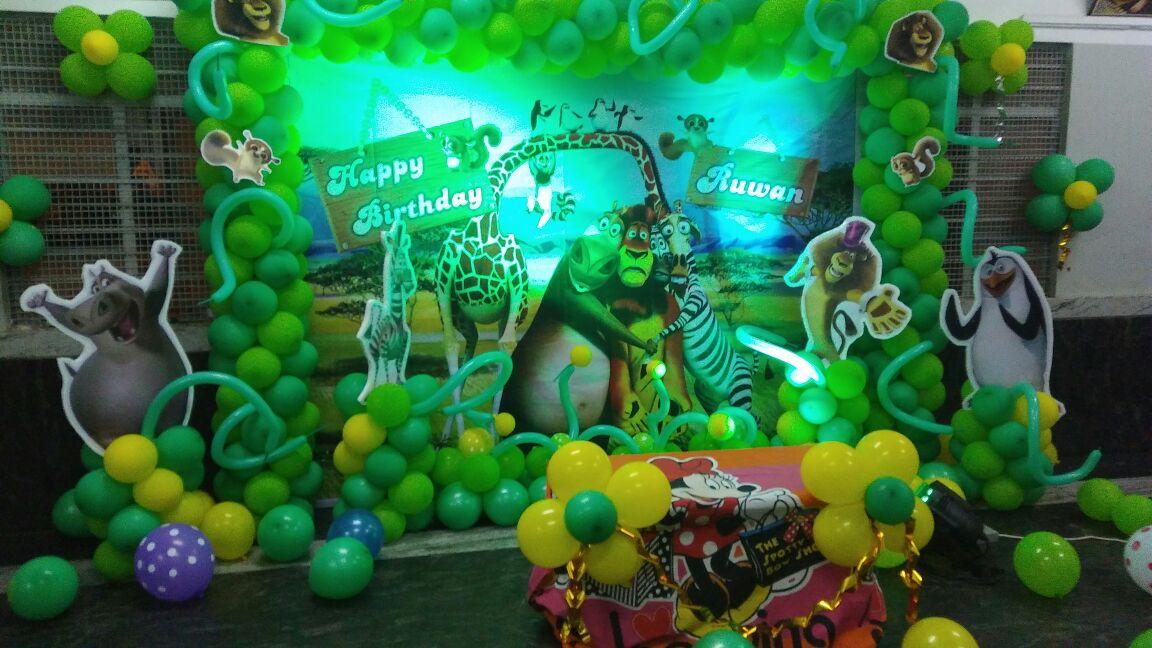 madagaskar theme birthday party