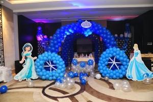 birthday party charriot theme balloon decoration